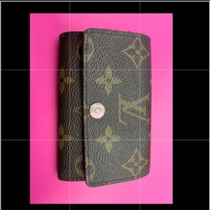 Authentic Louis Vuitton Pink Key Holder